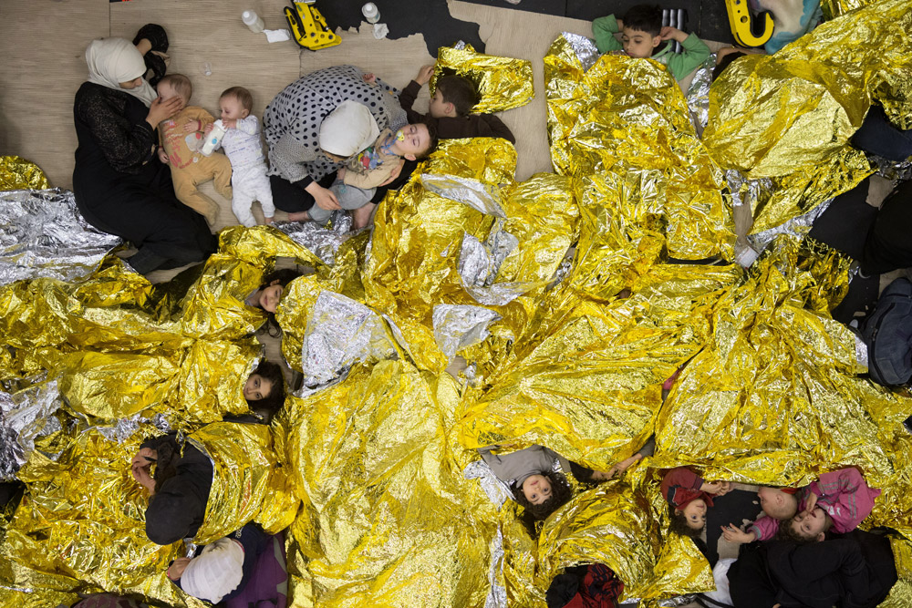 54cfc2472ae92_-_esq-asylum-seekers-6-kddkuz-1000